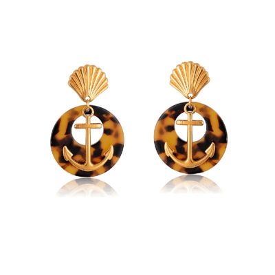 Complete your look by wearing these trendy tortoiseshell hoops, featuring a 24K gold-plated shell stud and a 24K gold-plated anchor, these earrings will add some nautical style to any outfit. Because they're so light you can wear them all day through the night. Perfect for any occasion.