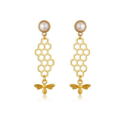 Honeycomb drop earring with a little bee pendant