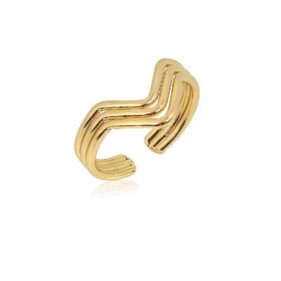 Triple band V gold ring