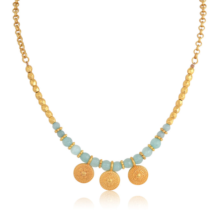 A beautiful Bohemian style necklace. Made of jade and 24k gold-plated elements and a smooth 24k gold-plated rope chain. A colorful combination of mint and gold, this necklace will mach perfectly your every day or boho outfit. A powerful piece of jewelry to add to your collection. Combine it with the earrings of the Bohemian Queen series for a complete look!
