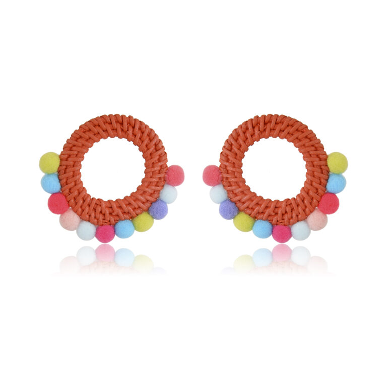 Beautiful and bright orange earrings that reminds the sun, they're soenergeticthey will keep you joyous all day! Perfectofa sunny day orduringwinter blues!