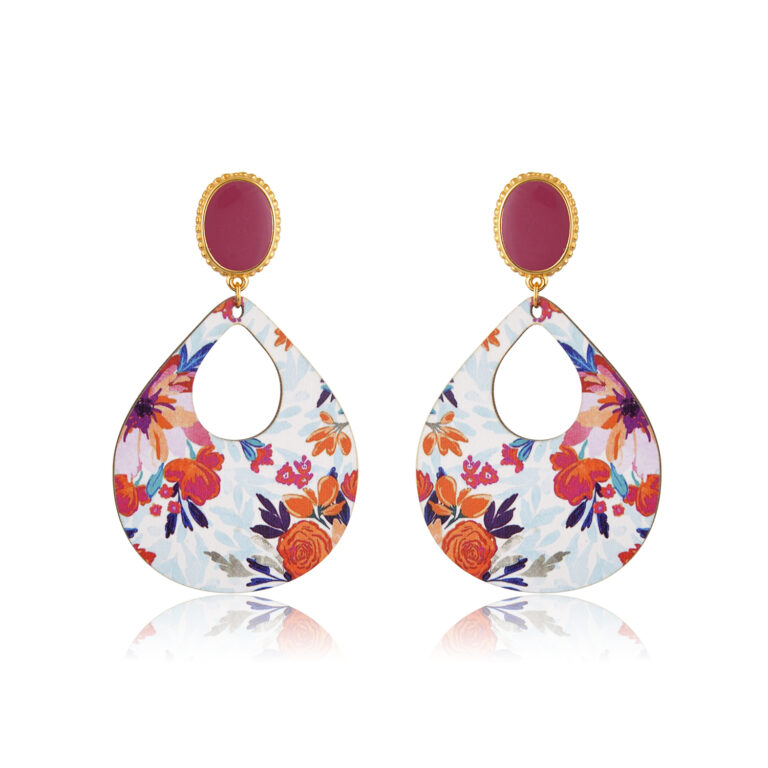 Finely made rosewood and colorful, these beautiful drop and dangle earrings will give any ensemble a fresh and delightful look.