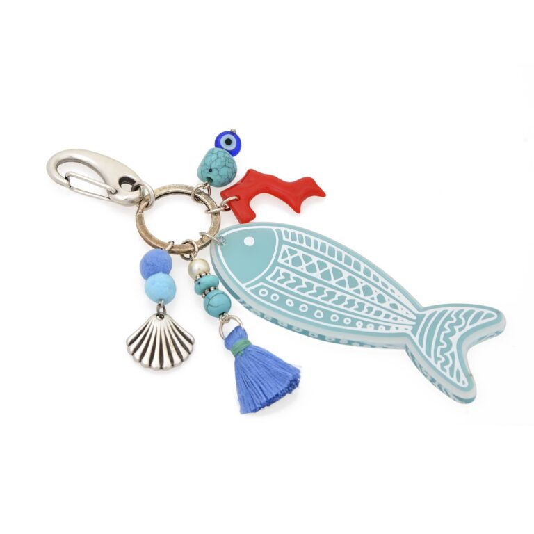 This one of the kind keychain is inspired by the Greek summer. Remember when we were kids, walking along the beach searching for sea goodies? It's not very ethical nowadays to pick up anything from the beach, so, there you go! You've got them all in one place with these cute little charms!